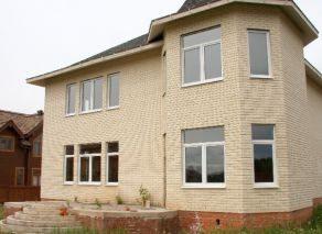 Загородный дом коттеджного типа