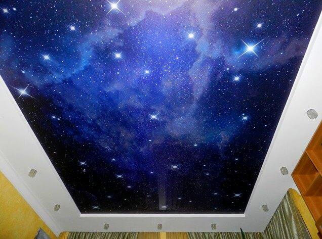 фото натяжного потолка звездное небо